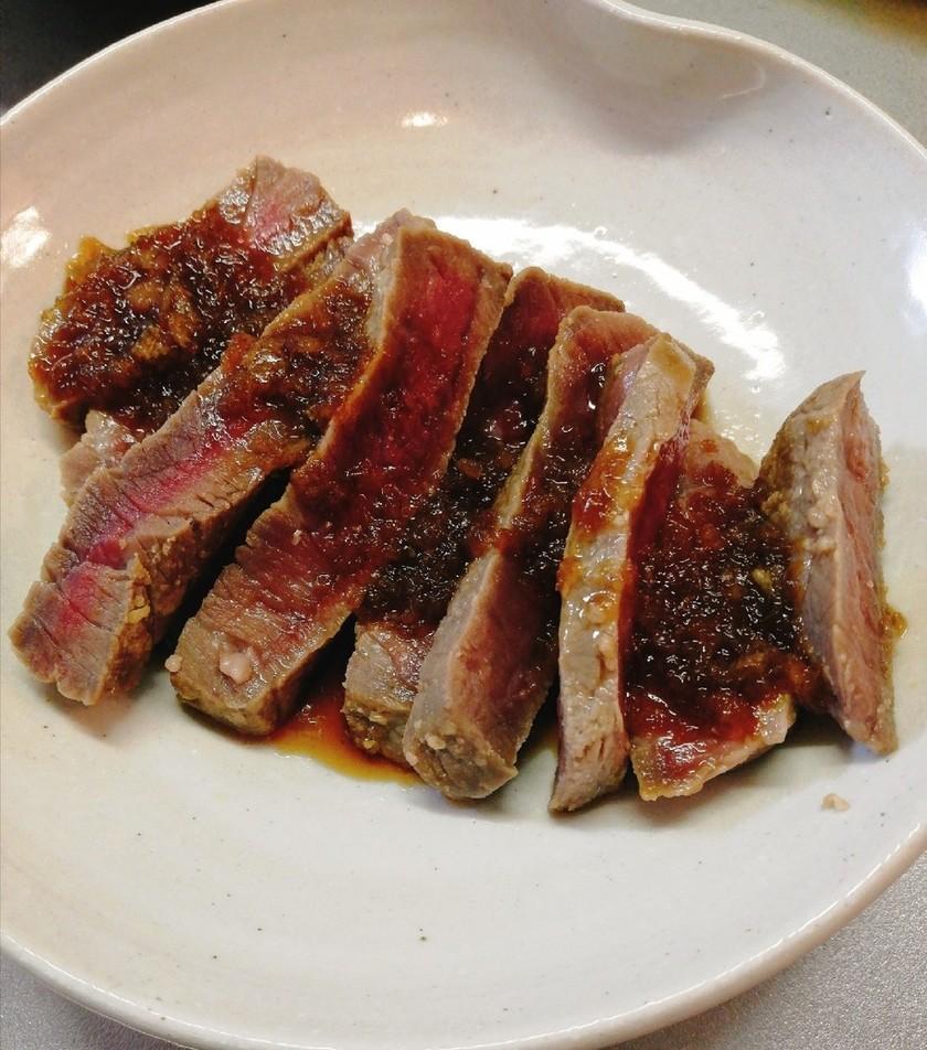 牛もも肉だけど柔らかいステーキ