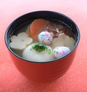 もっちり飾り麩で華やかに♪関西風お雑煮