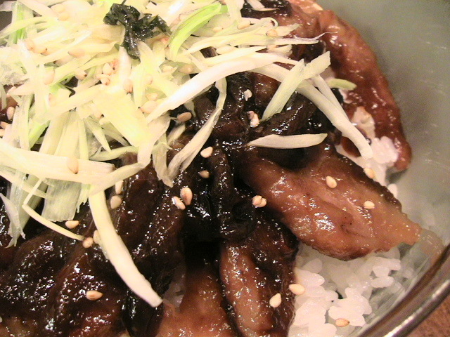 ハチミツ味噌の豚丼