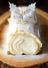 クリスマスケーキに白いブッシュドノエル