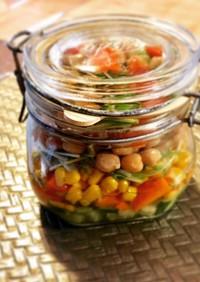 ひよこ豆とサーモンのジャーサラダ