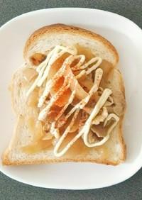 豚の生姜焼きリメイク食パン