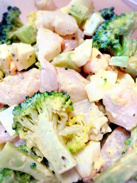 エビとブロッコリーのバジル風味サラダ