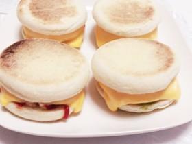 朝からリッチ♡チーズマフィンバーガー