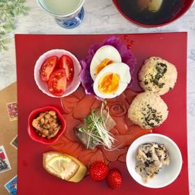低カロリーおかずの朝食