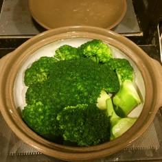 緑鮮やかブロッコリー土鍋レンジ蒸し
