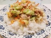 ツナキャベ卵丼の写真