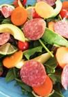 サラミとアボカドのライムサラダ