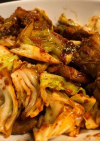 チェユッポックン 豚肉と野菜の辛炒め