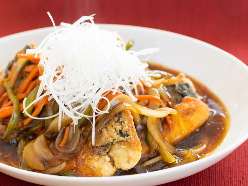 ☆簡単☆千切り野菜の鯖黒酢あんかけ