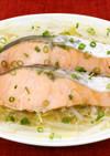 レンジで簡単!塩鮭ともやしの蒸し煮