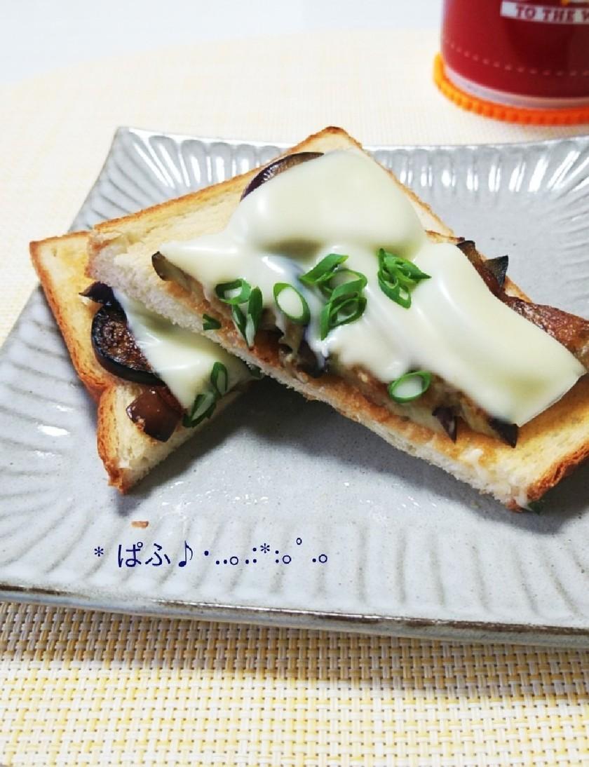 茄子の焦がしバター醤油トースト