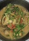厚揚げと舞茸・トマト・水菜の胡麻大葉煮