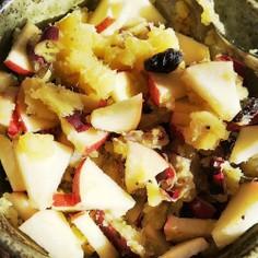 焼き芋とりんごのサラダ