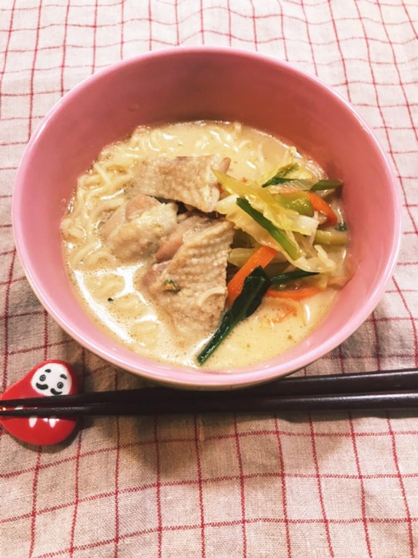 鶏白湯に憧れるサッポロ一番醤油味。