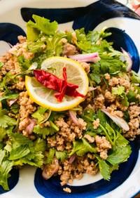 サッポロ一番で作るタイ風パクチー麺