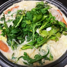 野菜たっぷり!ごま豆乳鍋