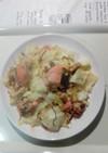 塩鮭とキャベツと塩昆布炒め。