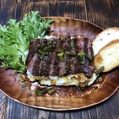 ビーフステーキ&にんにくマッシュポテト