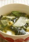 白菜と生ワカメの味噌汁♪