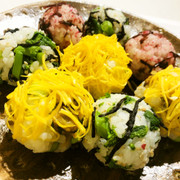 旬の菜花♪春の3色こにぎりの写真