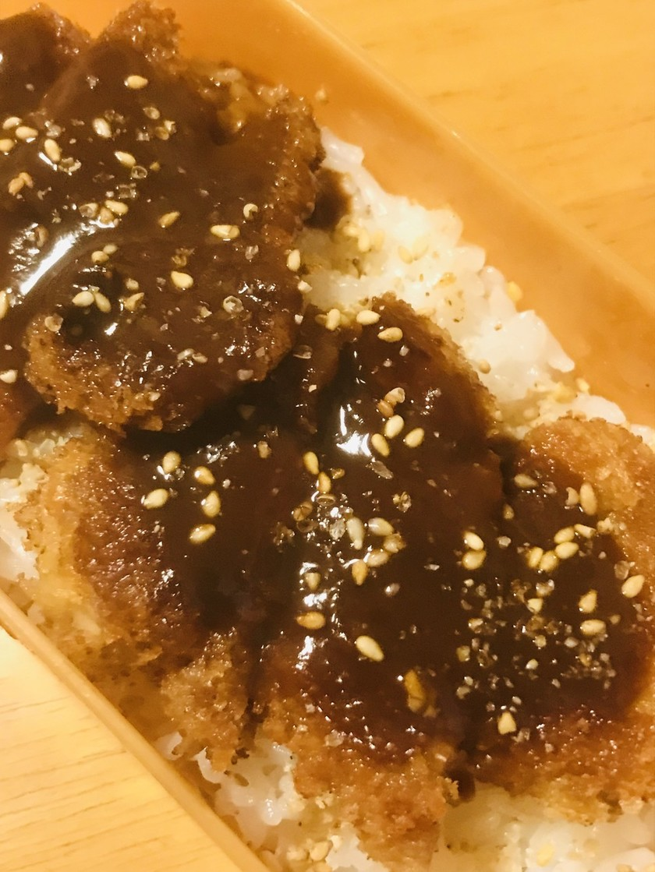 丼弁当●豚ヘレ肉の一口カツで味噌カツ丼