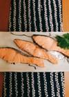 簡単煮るだけ♡しっとりフワフワ鮭の水煮