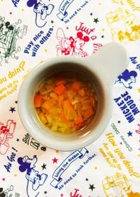 離乳食中期✩.*˚キャベツと人参のスープ