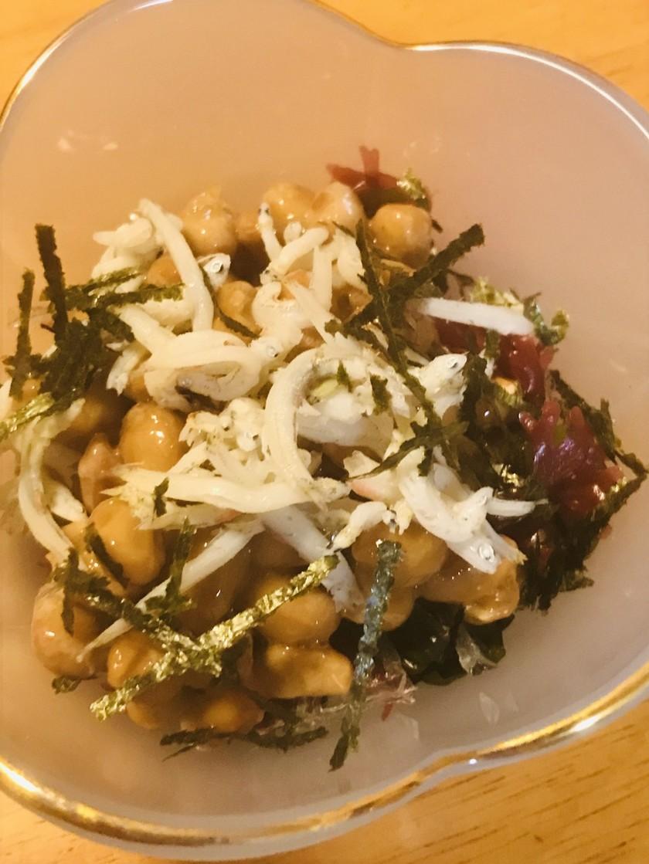 毎日の納豆●海藻サラダ&しらすで