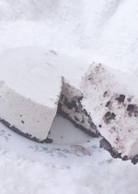生クリームを泡立てないオレオチーズケーキ