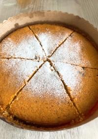 デーツとセモリナ粉のバターケーキ