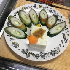 豆腐とキュウリのサラダ