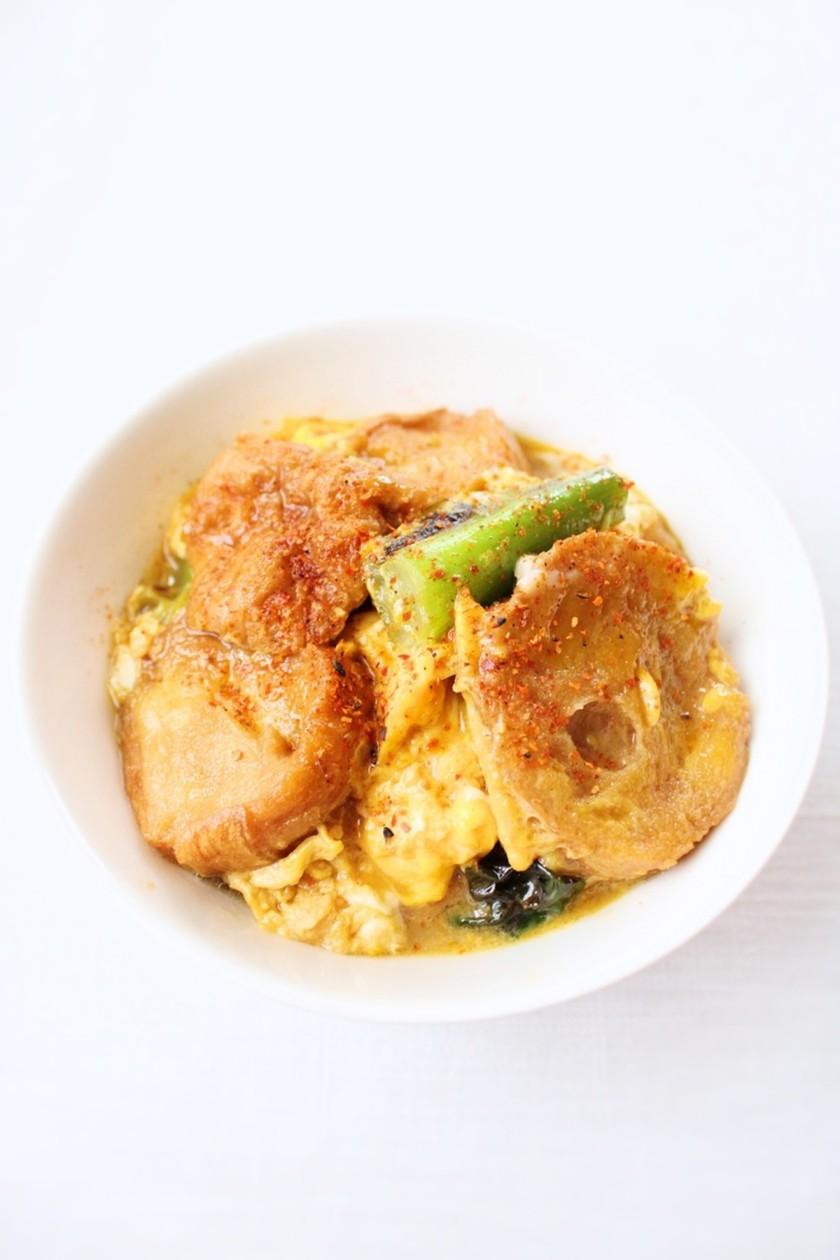 簡単丼【あぶら麩と九条ネギの卵とじ丼】