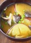 さつまいもときのこの生姜たっぷりお味噌汁