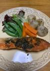 鮭のムニエル(バジルソース)