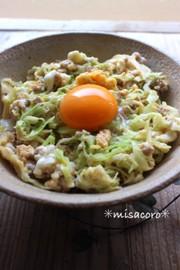 mめんつゆdeキャベツとひき肉卵とじ丼の写真