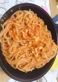 簡単 卵とトマトのニンニクパスタ