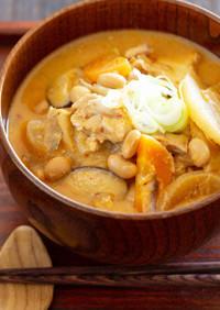 大豆と鶏肉とキムチの酒粕味噌汁