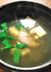 水晶鶏と豆腐のお吸い物 桜の風味