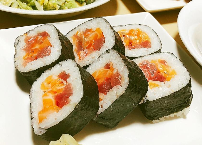 ~マグロとサーモンの簡単巻き寿司~
