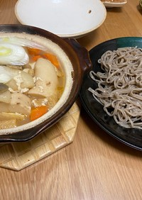野菜たっぷり♩土鍋で熱々けんちん蕎麦