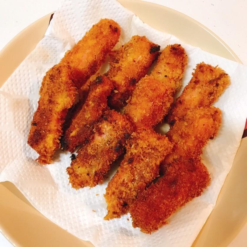 魚肉ソーセージのカレー風味フライ