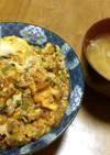 丼(玉ねぎ・鳥ひき肉・小松菜・鰻ダレ)