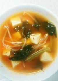 セロリの辛口タイ風スープ