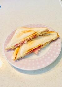 朝食に!簡単ハムマヨネーズのホットサンド