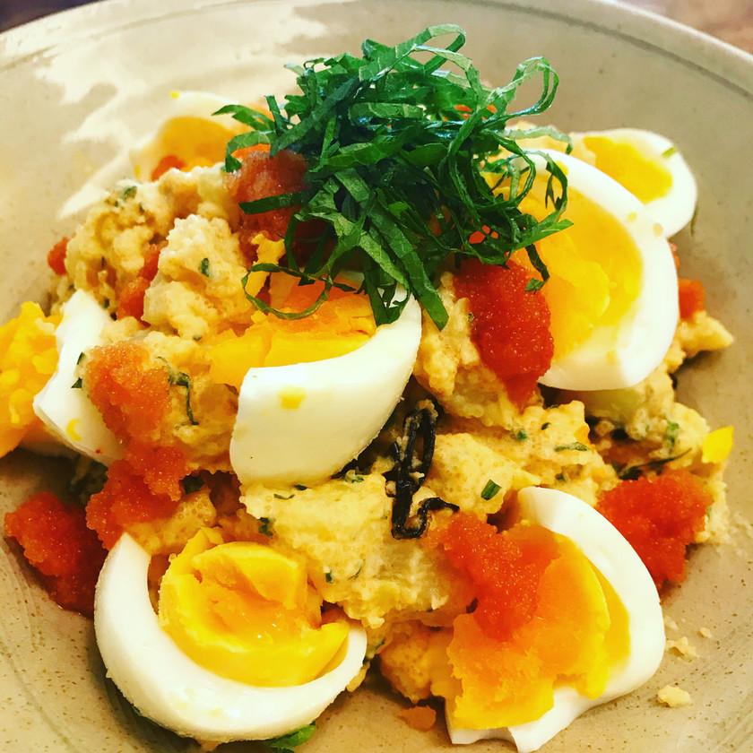 茹で卵のタラモサラダ