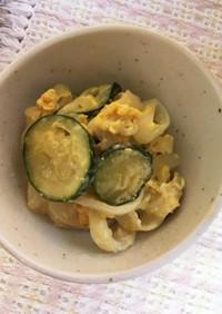 ズッキーニと新玉、卵のマヨ炒め