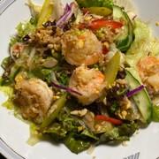 タイ風春雨と海老と 卵炒りつけサラダの写真