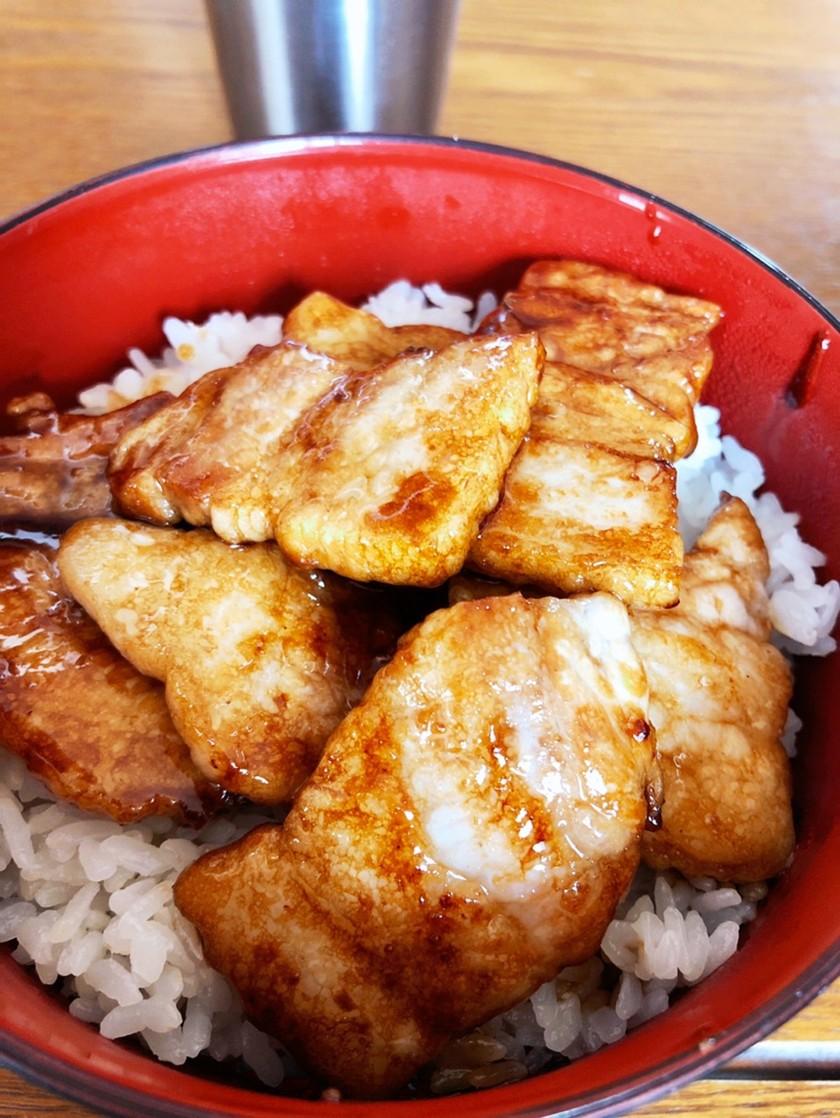 豚丼(バラ肉使用)