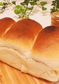 簡単ふわふわ手ごね食パン♪パウンド型